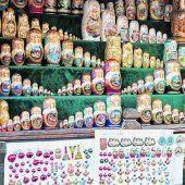 Matroschkas in allen Farben