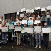 Schüler malen 100 Bilder für die Jugendspiele