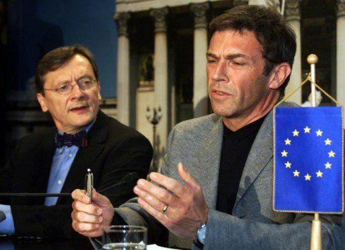 Die Regierung unter ÖVP-Kanzler Schüssel (l.) und FPÖ-Chef Haider führte zu einer diplomatischen Isloation Österreichs in der EU.  Foto: APA
