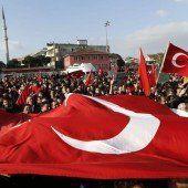 Massenproteste gegen landesweite Großrazzia in der Türkei