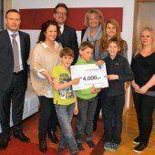 Hypo-Spende für Kinderdorf