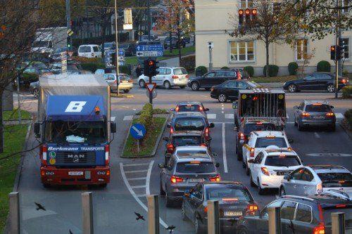 Die Bärenkreuzung in Feldkirch steht sinnbildlich für die Verkehrsprobleme in Vorarlberg.VN/HB