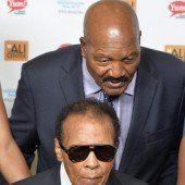 Muhammad Ali in ein Spital eingeliefert