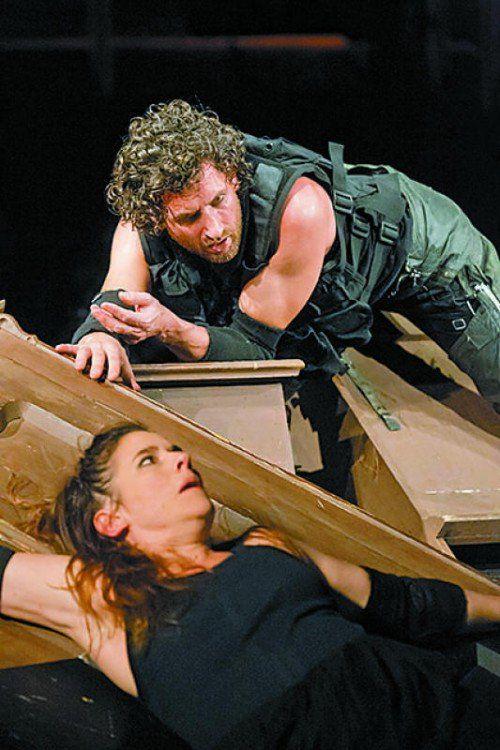 """Premiere """"Der Weibstufel"""" am Landestheater Vorarlberg Szenenbilder"""