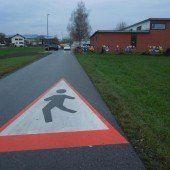 Symbole und Gehweg für Kindergarten Am Schlatt