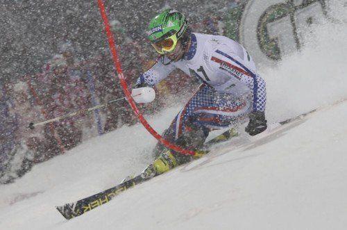 Ausgelassen feierte der Russe Alexander Choroschilow nach seiner Siegesfahrt den Erfolg. Fotos: gepa/Reuters