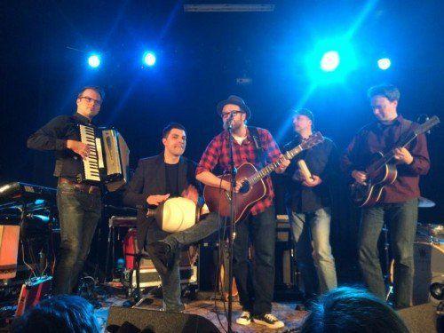 Begeisterung herrschte bei den Fans während des Konzertes von Gregor Meyle in der Kulturbühne in Schruns. Foto: Ral