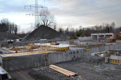 Das Walgaubad präsentiert sich derzeit als Großbaustelle.