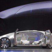 Scharfe Bilder und Roboter-Autos