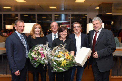 Die Jubilare Sandra Gratzer, Petra Reicht, Günter Riedmann mit Bernhard Bereuter, Betriebsrat Kurt Götz und Anton Strini.  Foto: AMS