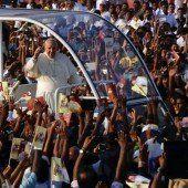 Jubel bei Papst-Besuch