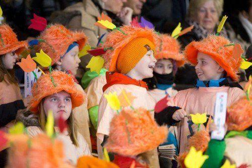 EYOF, EYOF 2015, Eiskunslaufen, Mädchen Kurzprogramm mit Caroline und Prinz Albert von Monaco als Zuschauer von Alexandra de Hanovre