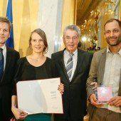 Poolbar-Leitern wurde Kunstpreis überreicht
