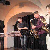 Edler Start mit dem Saxophon