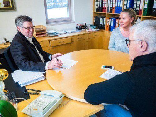 """""""Ich wollte ursprünglich eine Handwerkslehre absolvieren"""": Bürgermeister Bischofberger im VN-Gespräch."""