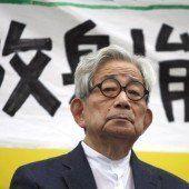 Nobelpreisträger Kenzaburo Oe als Vater
