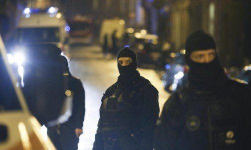 Mussten sich gegen schwer bewaffnete Dschihadisten zur Wehr setzen: Spezialeinsatzkräfte in Belgien. Foto: Epa