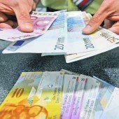 Franken schockt Häuslebauer und erfreut die Geschäfte