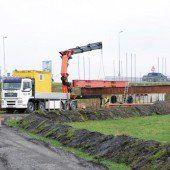 Vorbereitungen für Rheinbrücke