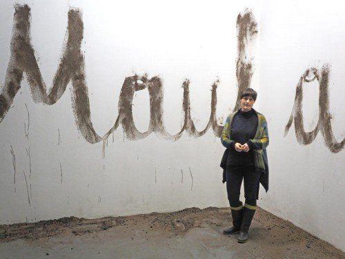 """""""Reiß dein Maul auf"""", hält Christine Lederer den Besuchern entgegen. Foto: Voith"""