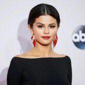 Kritik an Selena Gomez wegen Foto in Moschee