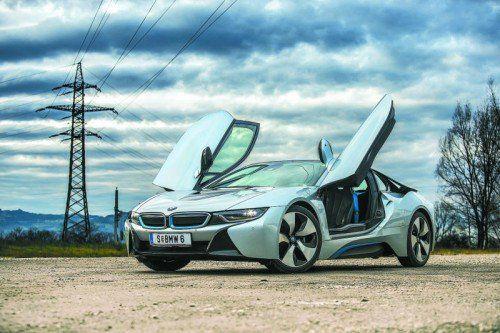 Spektakulärer Auftritt in jeder Hinsicht: Der i8 soll das sportliche Image von BMW gleichsam weiter beflügeln. Fotos: vn/steurer