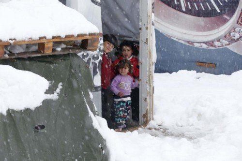 Temperaturen unter dem Gefrierpunkt setzen den syrischen Flüchtlingen im Libanon zu.  FOTO: RTS