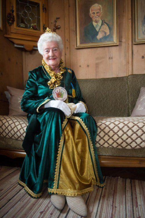 Viktoria Serbee (88) ist mächtig stolz darauf, dass sie die Fürstin von Gamprätz sein darf. Foto: Beate Rhomberg