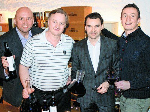 Winzer und Gastgeber: Robert Goldenits (l.), Pächter-Duo Gerald Leininger und Alexander Boden sowie Markus Curin (Morandell). Fotos: Franc