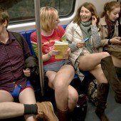 Fahrgäste lassen die Hosen runter