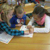 Leseprojekt mit Schülern und Kindergärtlern