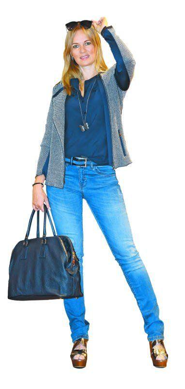 Bianca in einem Outfit  von Jones Dornbirn:  Blazer (199,90 €), Jeans (129,90 €), Gürtel (59,90 €), Sandale (159,90 €), Bluse (99,90), Kette (35,90 €), Tasche (269,90 €). Foto: Paulitsch