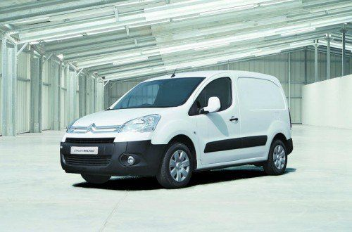 Citroën Berlingo: Das Exterieur ist auf Robustheit, das Interieur ist auf Zweckmäßigkeit und Pkw-Komfort getrimmt.