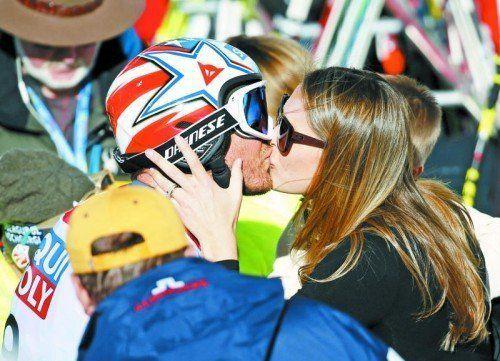 Crash-Kuss: Morgan Beck tröstet Bode Miller. Foto: ap