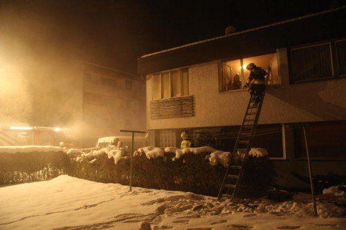 Das Feuer brach am Sonntag gegen 6.30 Uhr in der Bregenzer Gablerstraße aus.  Foto: R. Vlach