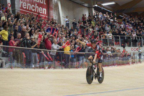 Der Australier Rohan Dennis hat auf der Radbahn in Grenchen den Stunden-Weltrekord von Matthias Brändle überboten. Foto: ap