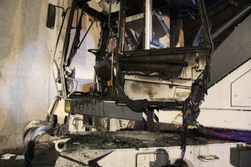 Der Kran ist zerstört, verletzt wurde aber niemand.  Foto: VOL.AT