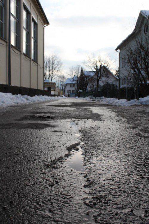 Der Rosenweg in Lauterach wird bald neu asphaltiert. Foto: VN/pes