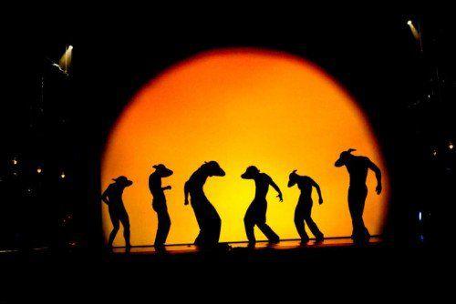 """Die Beliebtheit der poetischen Geschichte """"Shadowland"""" des PILOBOLUS Dance Theater aus den USA ist ungebrochen. FOTO: showfactory"""