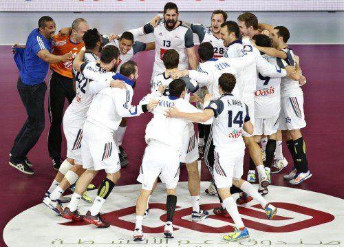 Die Equipe Tricolore krönte sich mit dem 25:22-Finalerfolg über Gastgeber Katar zum alleinigen Rekordweltmeister. Foto: epa