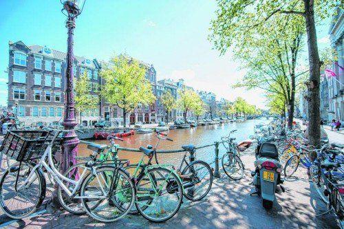 Die Fahrräder prägen das Stadtbild in Amsterdam. Foto: beate Rhomberg