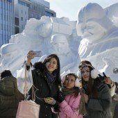 Star-Wars-Skulpturen aus Schnee