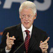 Clinton : Runter da vorne!