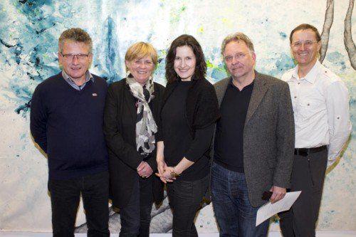 Galeristenpaar mit Künstlerin: Franz und Andrea Romagna-Miessgang (l.) mit Ines Agostinelli, Axel Jablonski und Roland Haas. Fotos: FRanc
