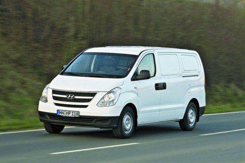 Hyundai H-1: Außen wie innen unverschnörkelt gestylt punktet der Südkoreaner mit Zuverlässigkeit und Preisgünstigkeit.