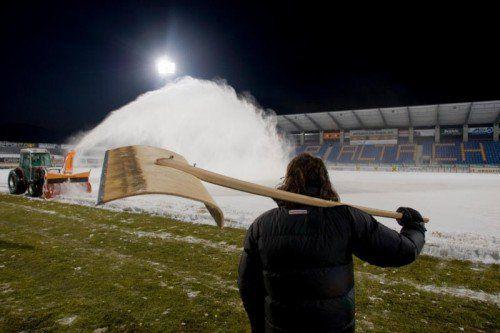 In Sachen Schneeräumung haben die Altacher inzwischen schon ein wenig Routine. Foto: Hartinger