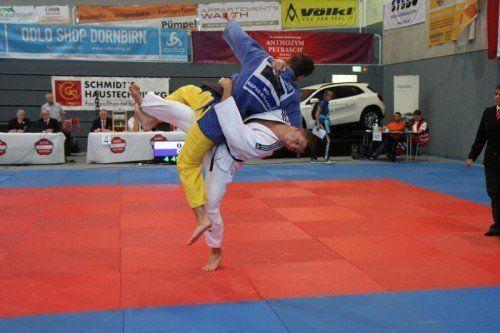 Judo Österreichische Staatsmeisterschaften 2014 in Hard, Laurin Böhler ULZ Vorarlberg (weisser Judoanzug) U23 -90-kg-Klasse