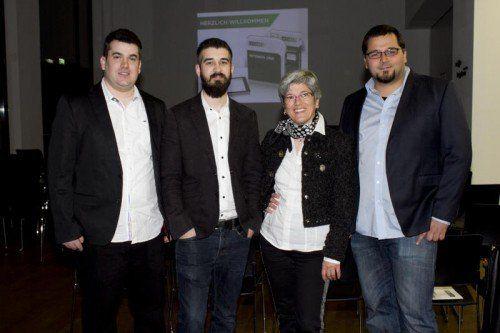 Luden zur Software-Präsentation: Florian Matt (l.) sowie Fabian Ferrari mit Roswitha Matt und Ronald Baumgartner. Fotos: Franc