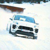 Wenn Porsches quer fahren: Eisballett in Tirols Bergen