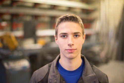 Simon Peter, 1. Lehrjahr Im Poly besuchte ich den Metallzweig. Für mich ist das auch ein nützlicher Beruf, weil ich mit mein Moped und unseren Traktor reparieren kann.